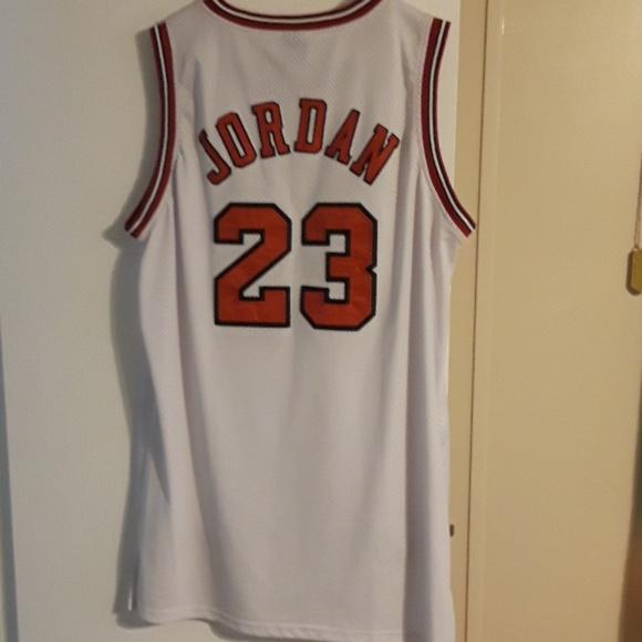 huge selection of 78f7c dacde Nike Chicago Bulls Michael Jordan Finals Jersey